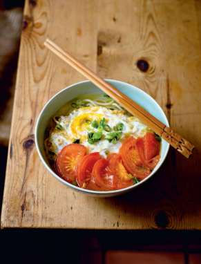53f5c13743ef2_egor_fried_egg_and_tomato_noodles_1